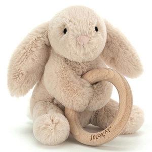 hochet et peluche lapin Jellycat vendu par rêves de fil