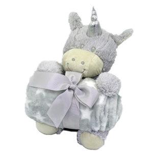 Coffret peluche licorne avec son plaid personnalisable, vendu par rêves de fil.