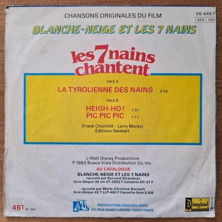 Disque vinyle 45 tours Les 7 nains chantent pour enfant vendu par Rêves de Fil.