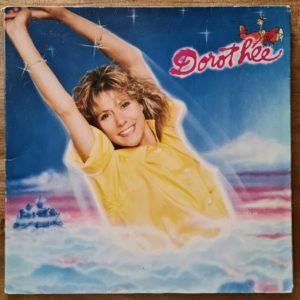 Disque vinyle 33 tours Dorothée pour enfant vendu par Rêves de Fil.