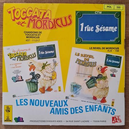 Disque vinyle 45 tours Ernest et Bart reçoivent leurs amis pour enfant vendu par Rêves de Fil.