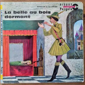 Disque vinyle 45 tours La Belle au bois dormant pour enfant vendu par Rêves de Fil.