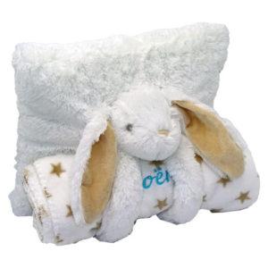 Coussin lapin avec son plaid, couleur blanc personnalisable avec prénom vendu par rêves de fil