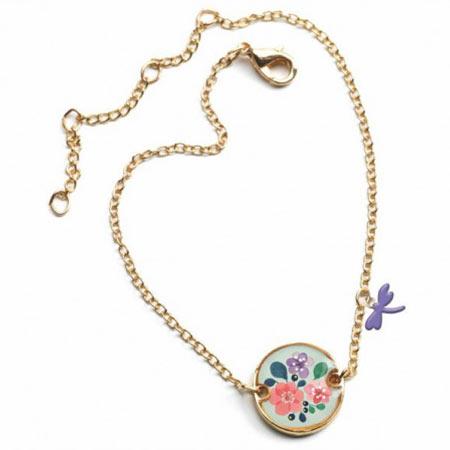 Bracelet lovely fleur vendu par rêves de fil.